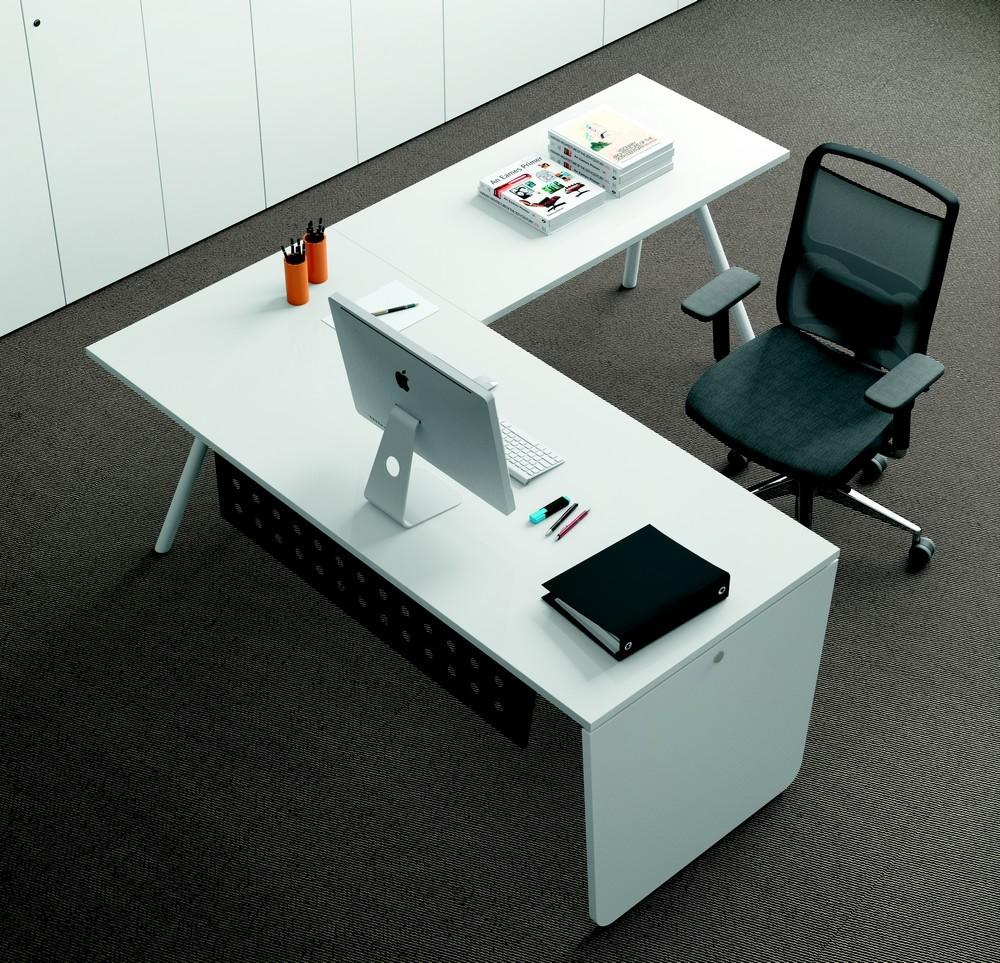 bureau avec retour kompas. Black Bedroom Furniture Sets. Home Design Ideas