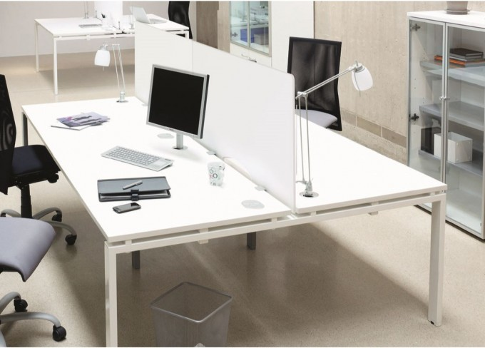 Ecran blanc plexiglas à fixer bureaux face à face Covid 19