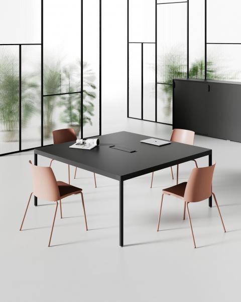 Table de réunion BLACK DESIGN avec top access et goulotte